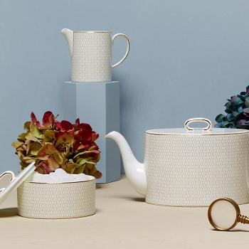 Arris White Teapot 1ltr