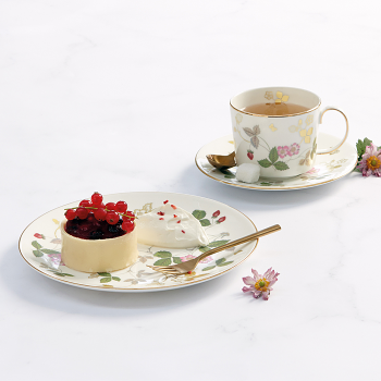 Wild Strawberry Gold Iconic Teacup & Saucer