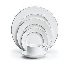 Vera Wang Wedgwood Blanc Sur Blanc Five Piece Place Setting